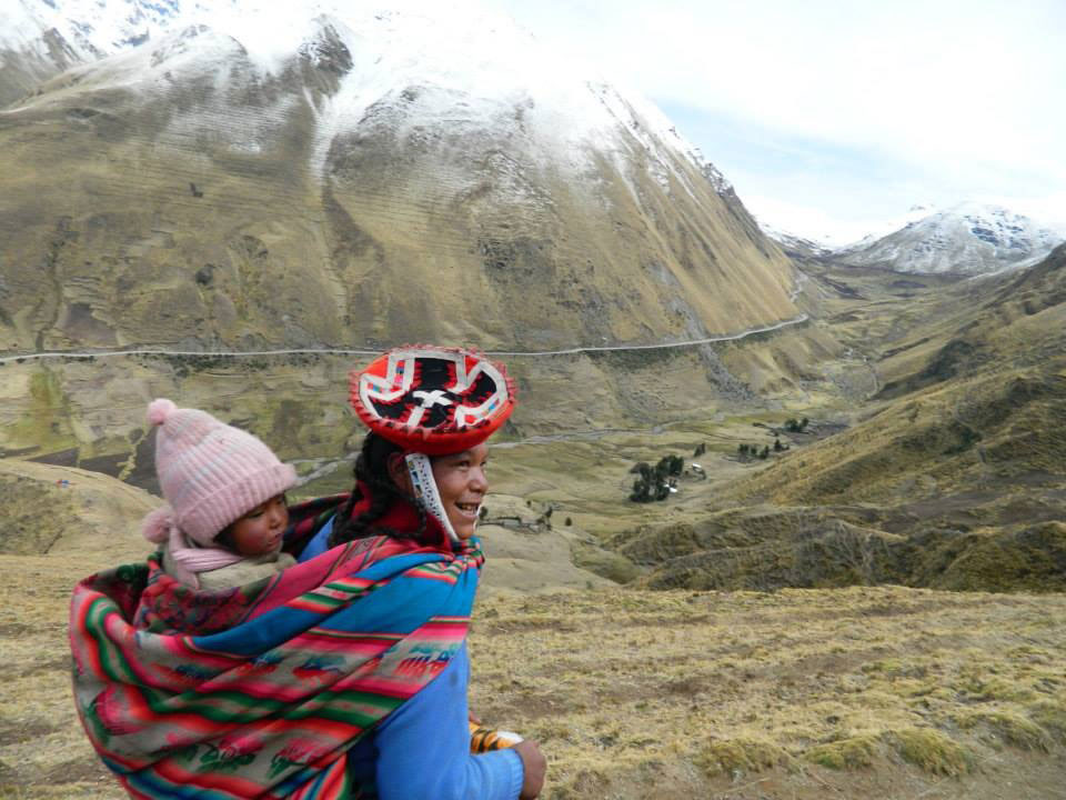 Peru: Lady with a baby
